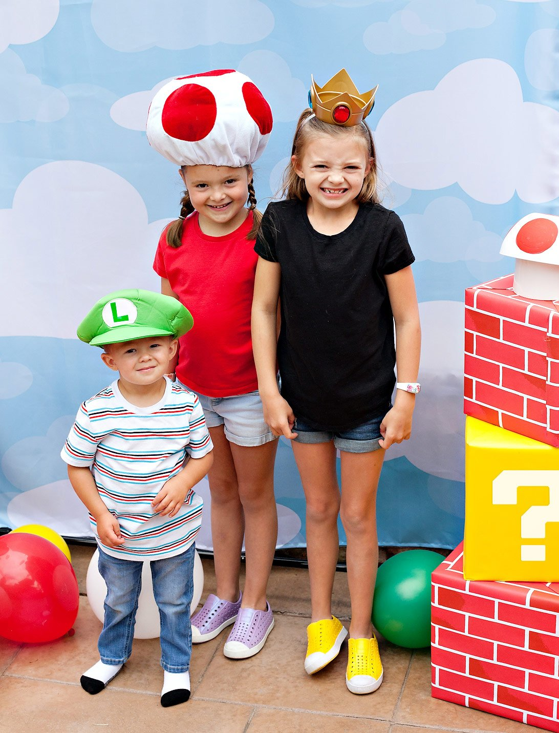 Super Mario Photo Booth Kids