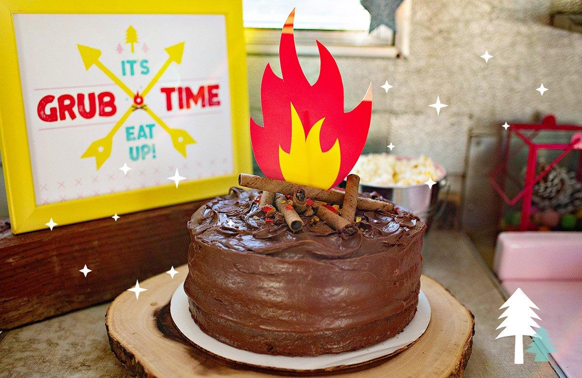 Easy Campfire Cake + Free Printables