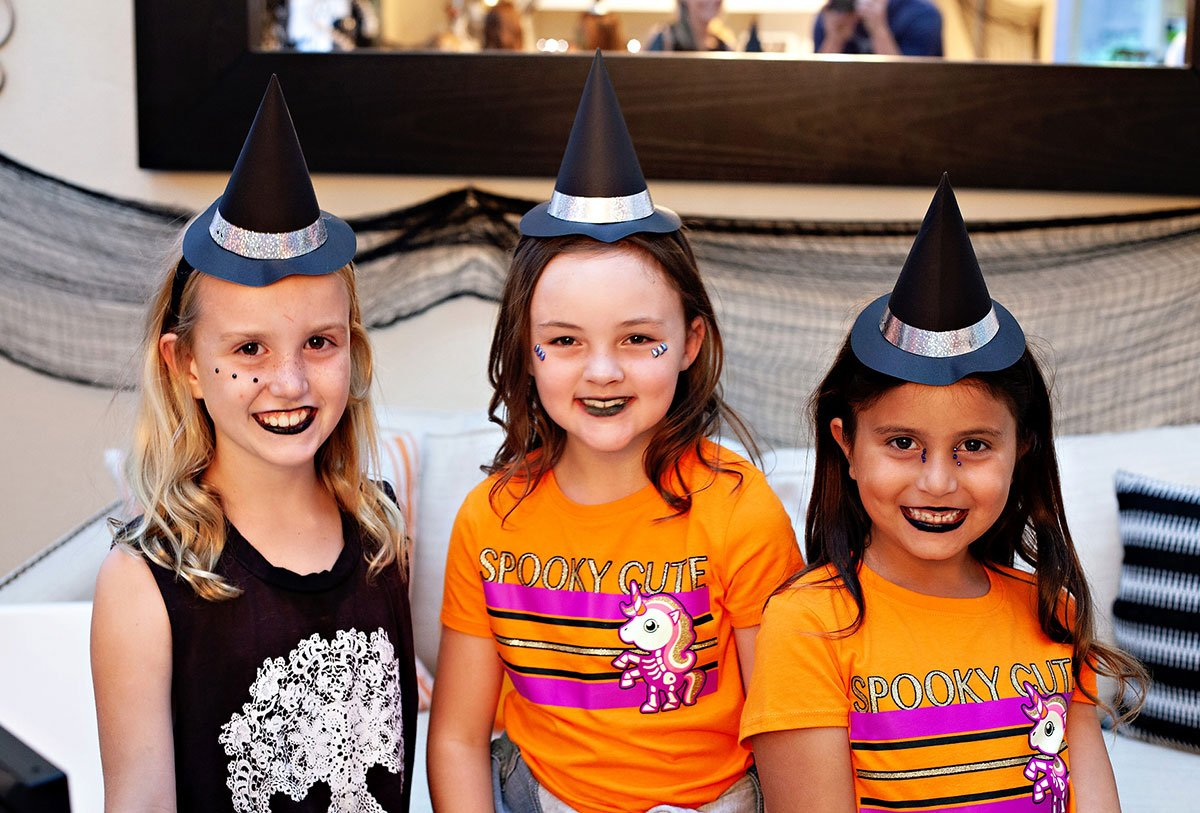 Kids Halloween Witch Party Station 2