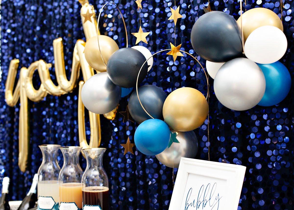 DIY Balloon Hoops Backdrop
