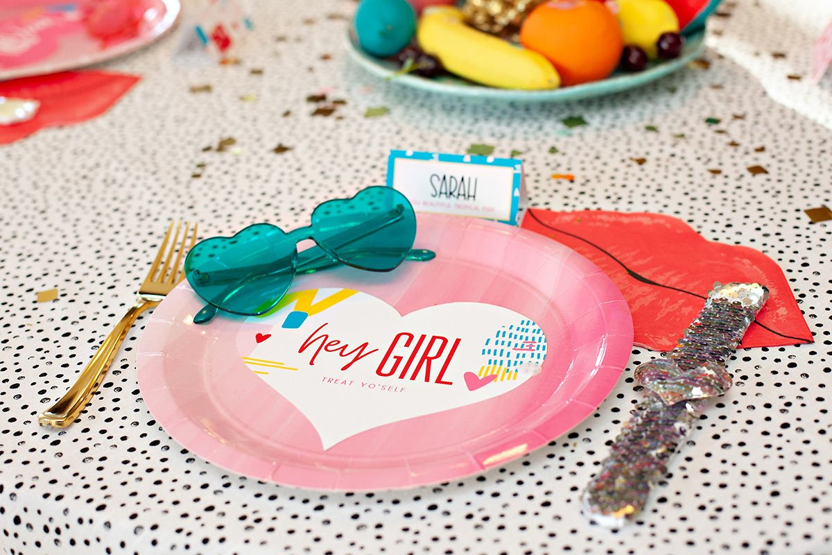 Hey Girl Valentine's Day Place Setting