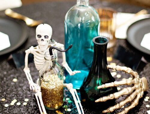 "11 Tips for a ""Midnight Magic"" Halloween Dinner Party"