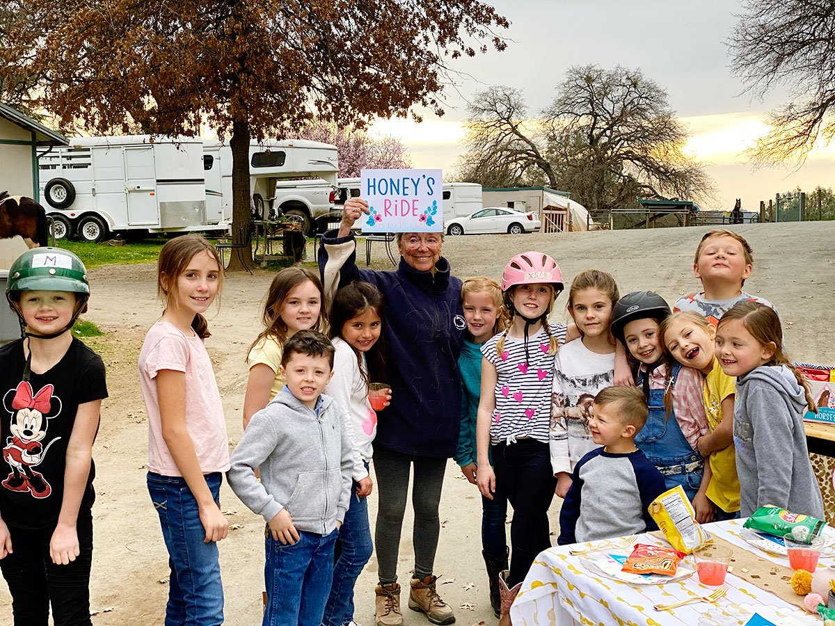 kids at a horse birthday party