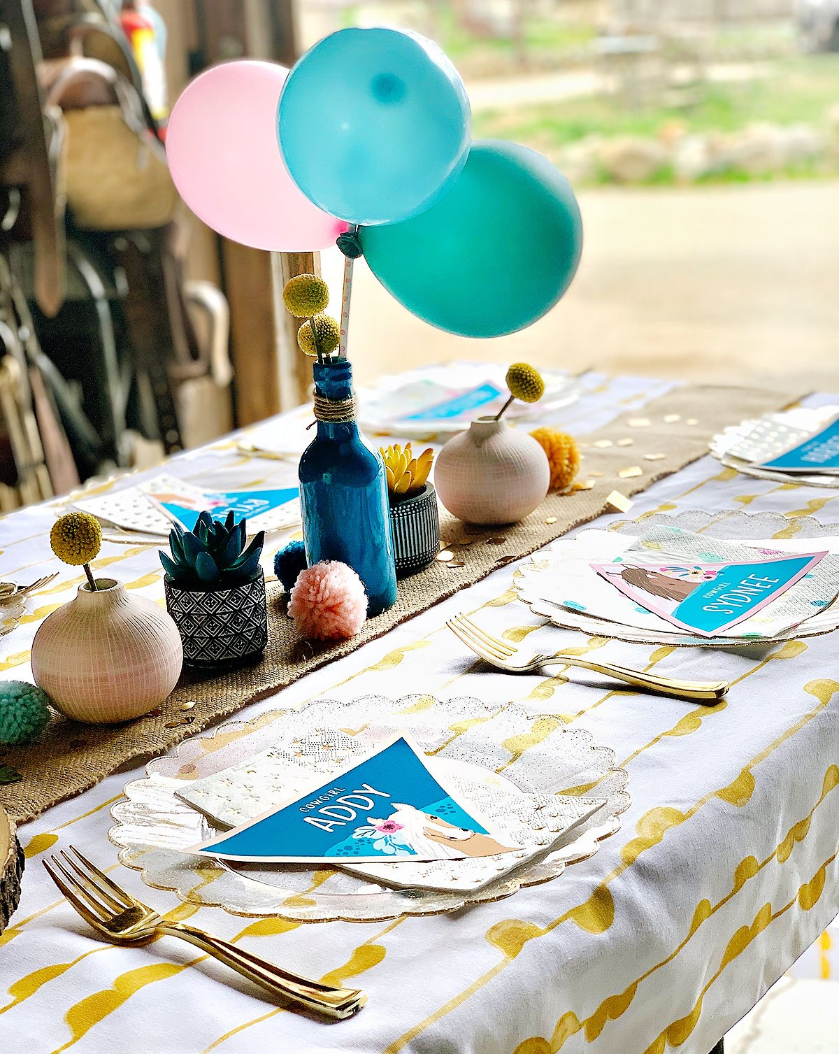 pretty horse party kids table
