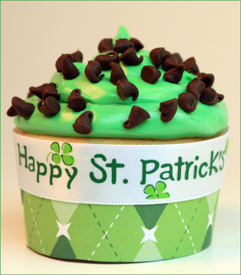 http://www.hostessblog.com/wp-content/uploads/uploaded_images/stpatricksdaycupcakes_3.jpg
